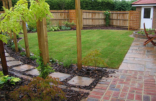 Welcome to Castle Landscapes of Rhyl 01745 345 035 07809 398 010
